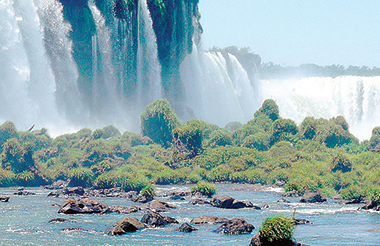 Le spettacolari cascate dell'Iguazú, Paraná (Brasile). Foto Martin St-Amant/Wikipediacc-By-Sa-3.0